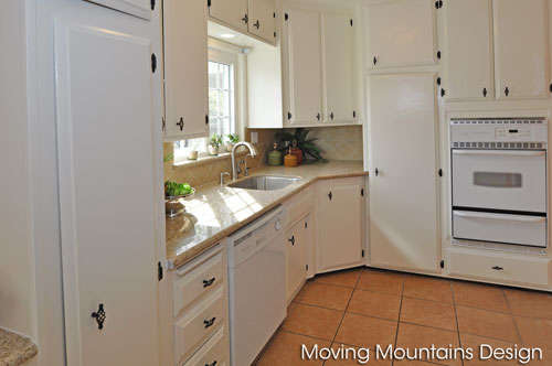 Pasadena kitchen after home staging by Moving Mountains Design